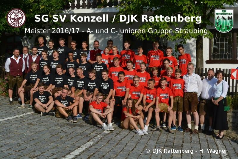 Die beiden Meistermannschaften der Saison 2016/17 der A- und C-Junioren der SG SV Konzell / DJK Rattenberg